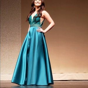 Macduggal green/teal sequence dress